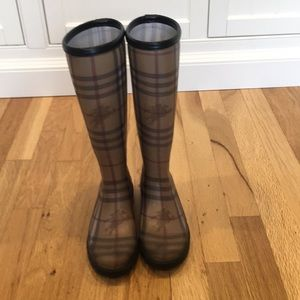 Burberry Check Rain Boots, Size 36, Fits like 5.5